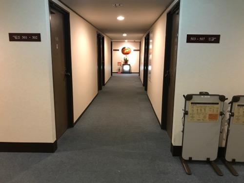 ターミナルアートインの5階客室通路