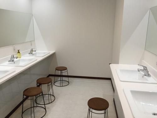 カプセルホテルCUBE広島の洗面室