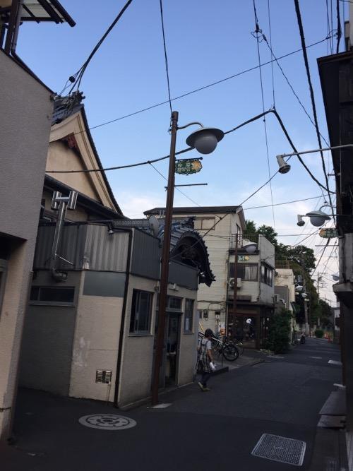 東京都足立区柳原の銭湯・大和湯前の風景
