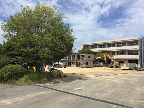 解体工事中の余土中学校校舎-正門側より4-2016年9月3日