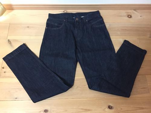 2017年のコムサイズムのメンズMサイズの福袋のジーンズ(前側)