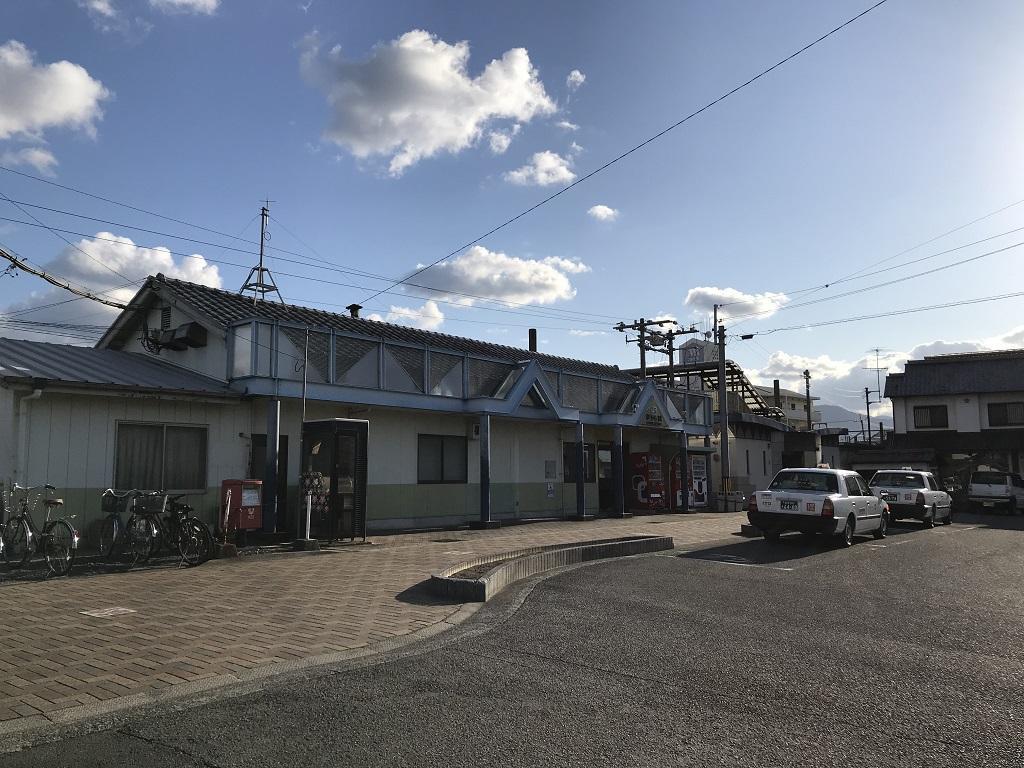 JR伊予市駅の駅舎外観