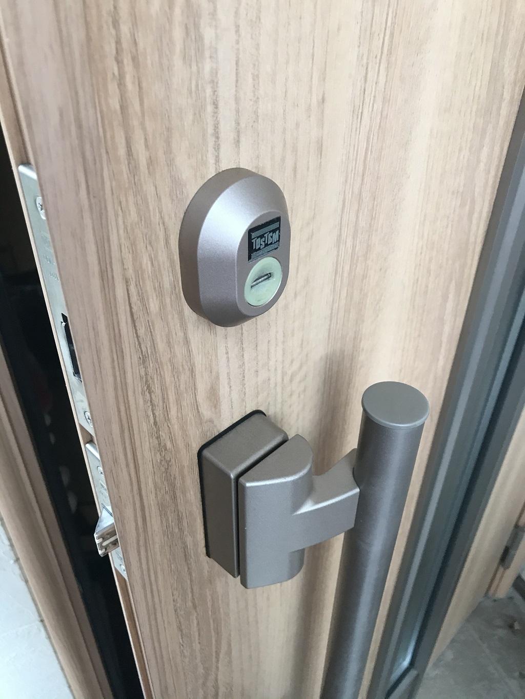 玄関ドアの鍵穴