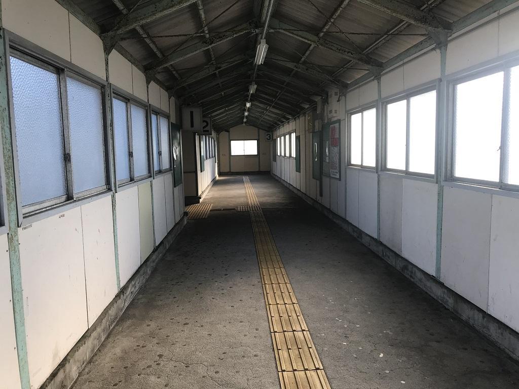 JR幸崎駅の連絡通路